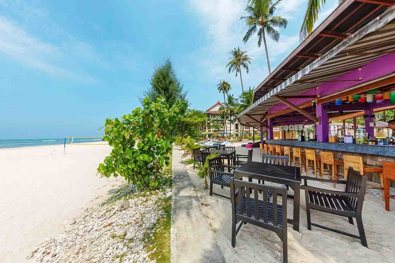 apsara beachfront resort & Villa zeus beach bar 1